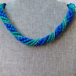 Jewelry - Chunky yarn necklace